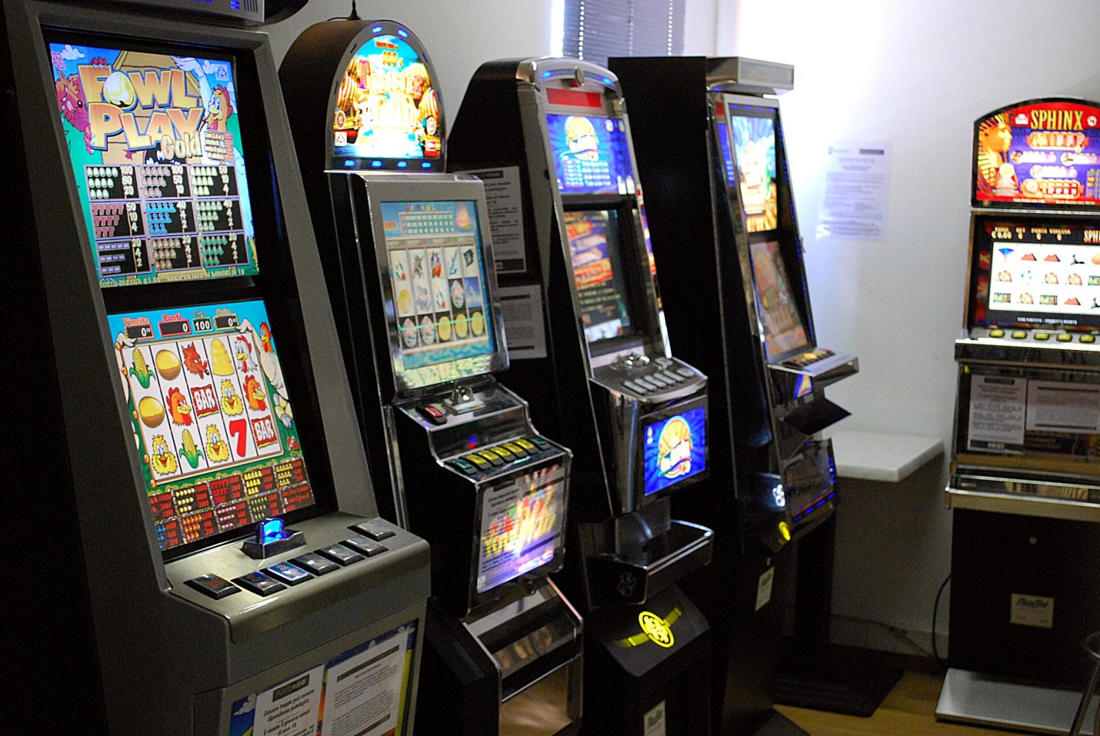 Ordinanza slot machine milano